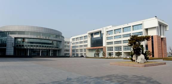 临沂大学理科3#楼、历史文化学院、信息中心、建筑面积9万㎡,沂蒙杯(临沂市优质结构工程)
